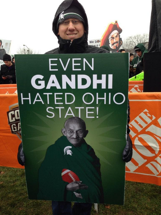 10 Best College GameDay Signs In East Lansing