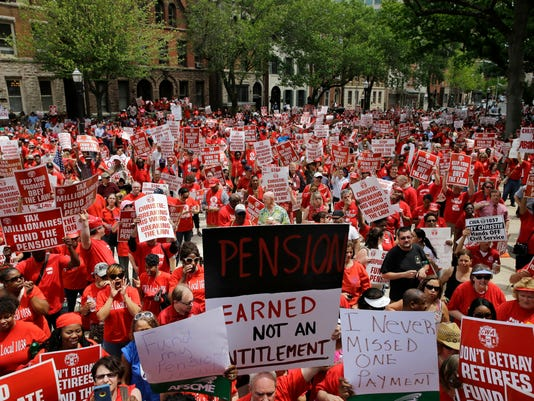 Christie Pension Protest (2)