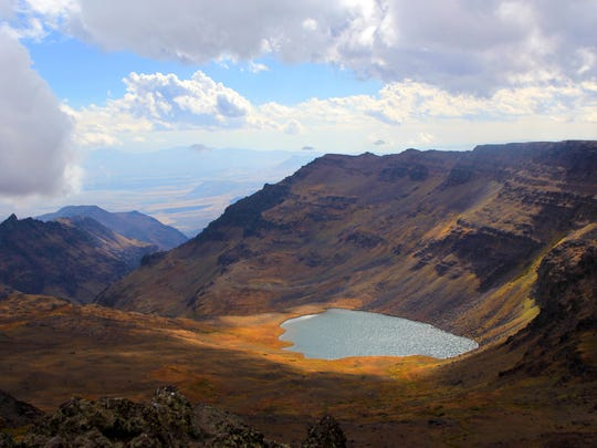 Wildhorse Lake shimmers in the alpine basin of Steens Mountain.