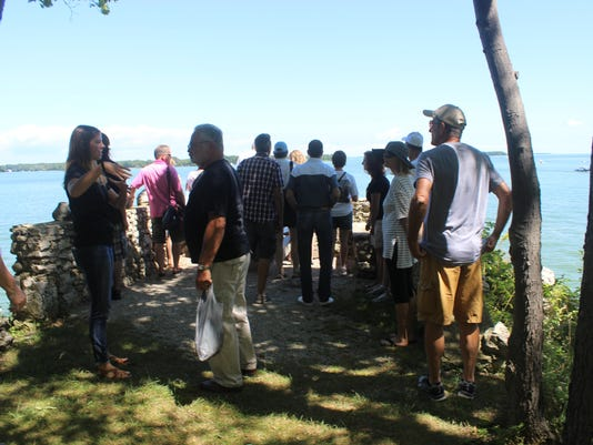 2 Guided Tour at Perry's Lookout, Gibraltar Island