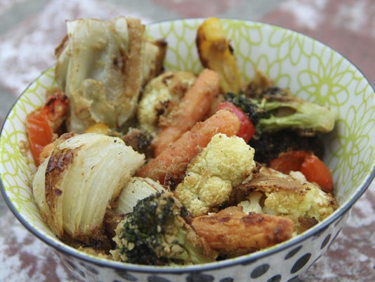 Food Healthy Roasted Veggies in Hummus