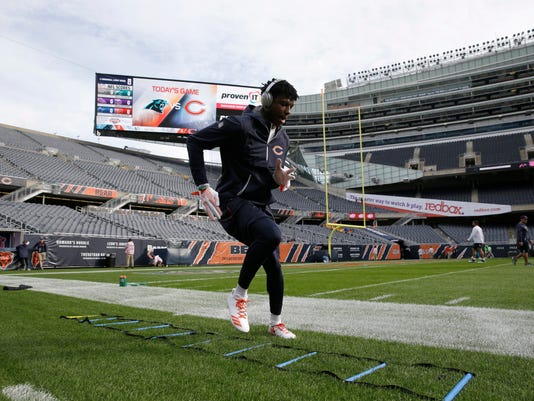 Chicago Bears wide receiver Kendall Wright warms up before an NFL football game against the Carolina Panthers, Sunday, Oct. 22, 2017, in Chicago. (AP Photo/Nam Y. Huh)