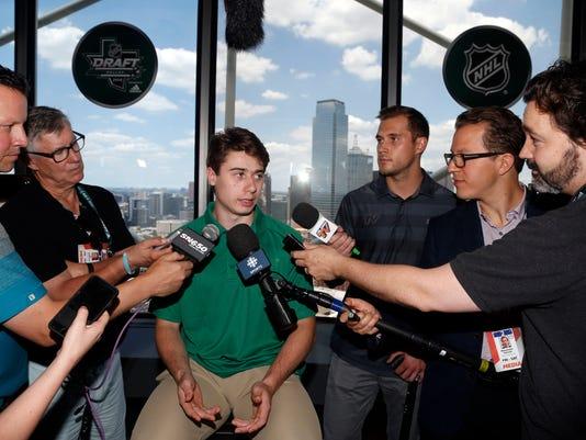 NHL_Draft_Hockey_87996.jpg