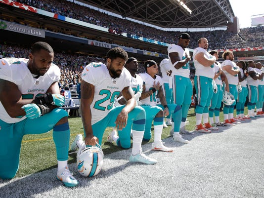 Anthem_Policy-Dolphins_Football_62984.jpg