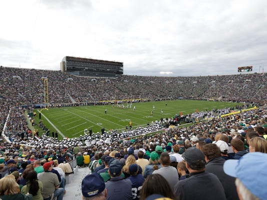 Michigan_Notre_Dame_Football_87575.jpg