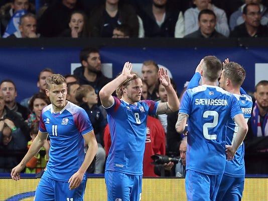 France_Iceland_Soccer_50246.jpg