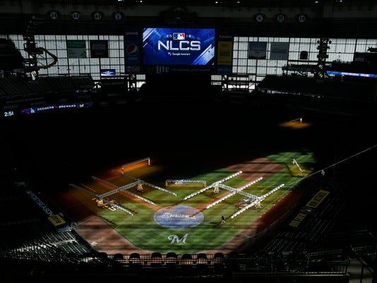 NLCS_Dodgers_Brewers_Baseball_96282.jpg