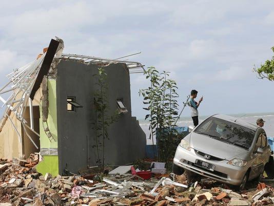 APTOPIX Indonesia Tsunami