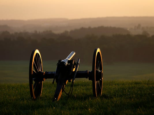-BGMBrd_06-29-2013_Daily_1_A013~~2013~06~28~IMG_Gettysburg_150th_Ann_4_1_H94.jpg