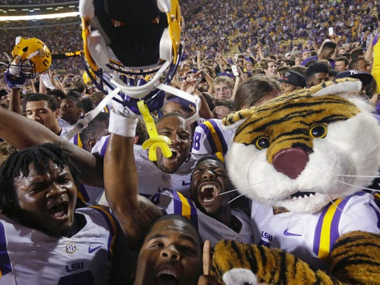 Mississippi LSU Footb_Foot(3).jpg