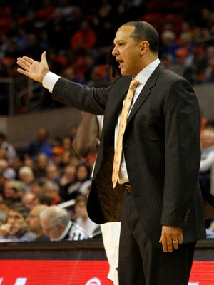 Auburn coach Tony Barbee reacts to a call during the first half of an NCAA college basketball game against Kentucky, Wednesday, Feb. 12, 2014, in Auburn, Ala.