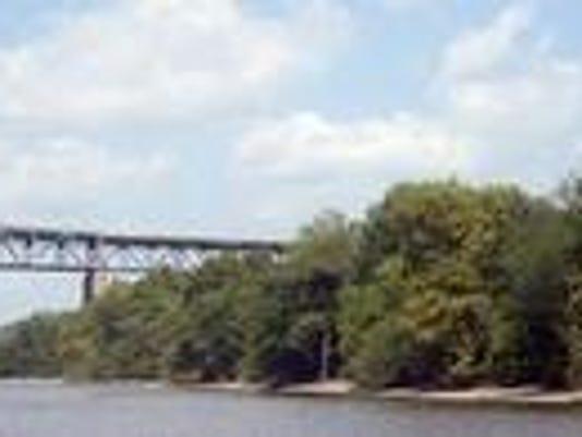 636205318470910791-Delaware-River-turnpike-bridge-beteen-Nj-and-Pa.jpg