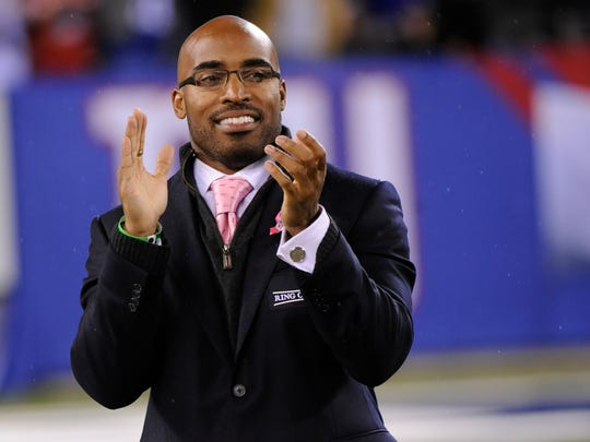 Former New York Giants player Tiki Barber pictured