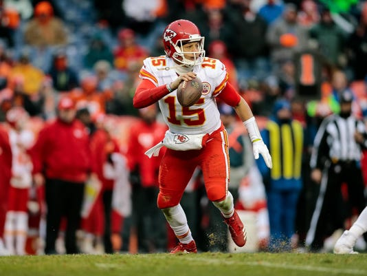 Chiefs training camp questions  Will Patrick Mahomes settle in  776435188
