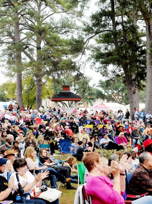 A crowd gatherings at the Highland Jazz and Blues festival at Columbia Park in Shreveport.