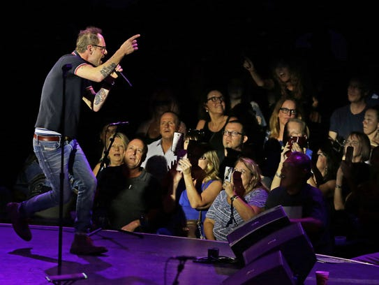 Tempe's Gin Blossoms perform after being inducted into