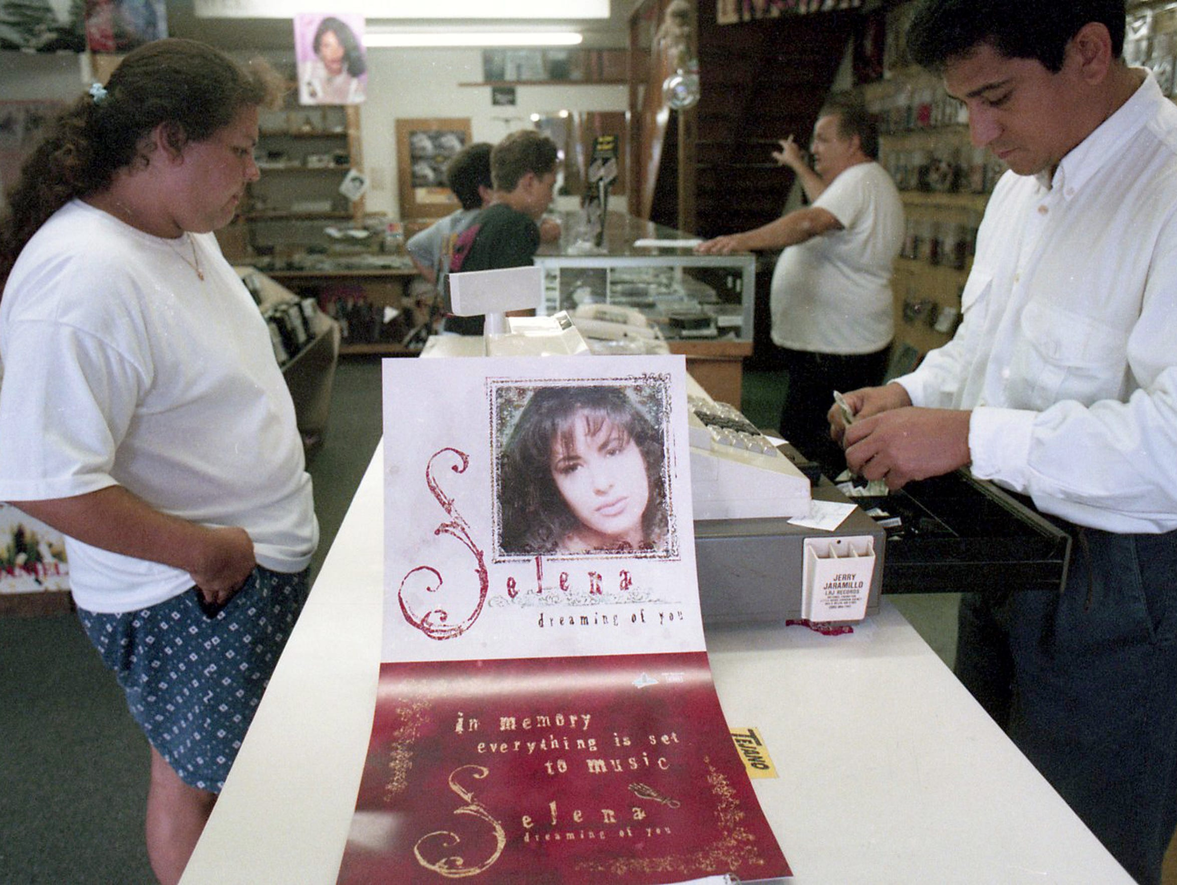 Leonar Pineda purchases two cassettes of Selena's new