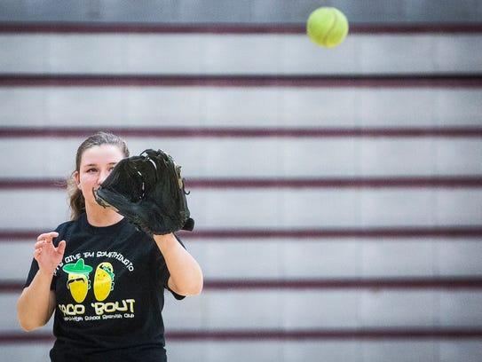 Wes-Del's Jasmin Brown practices indoors with teammates