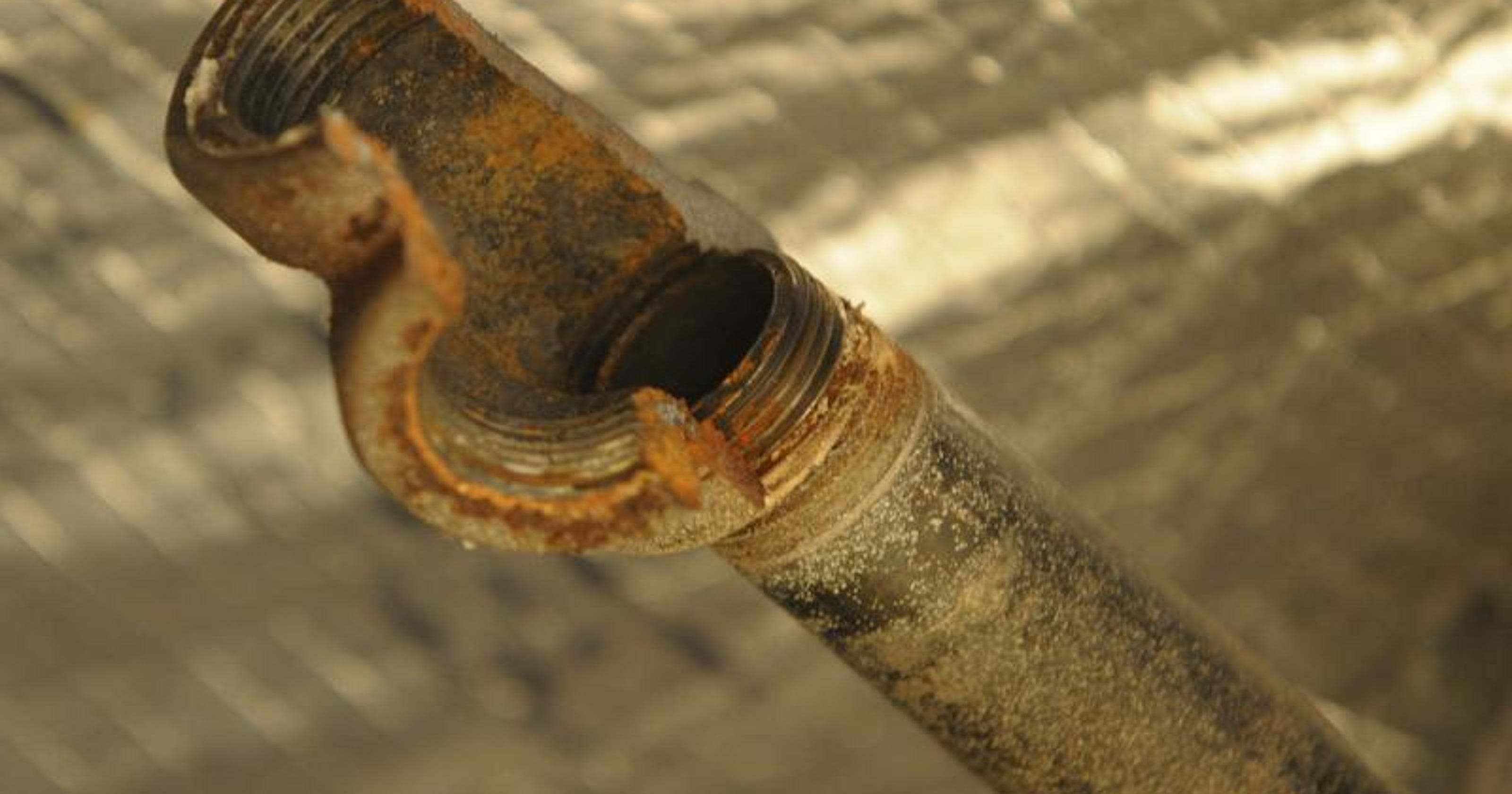 Eastside apartment site faces evictions for burst pipes