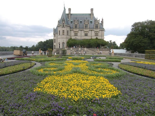The Biltmore Estate placed 100,000 plants on the south