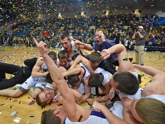 APTOPIX NCAA DIV III College Basketball Championship