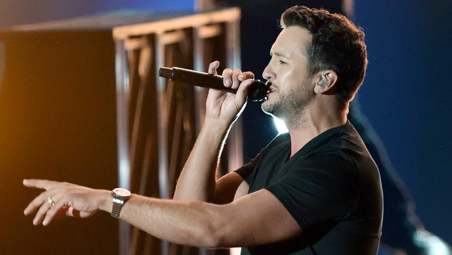 Recording artist and co-host Luke Bryan performs during the 52nd Academy of Country Music Awards at T-Mobile Arena on April 2, 2017 in Las Vegas, Nevada.  (Photo by Ethan Miller/Getty Images)