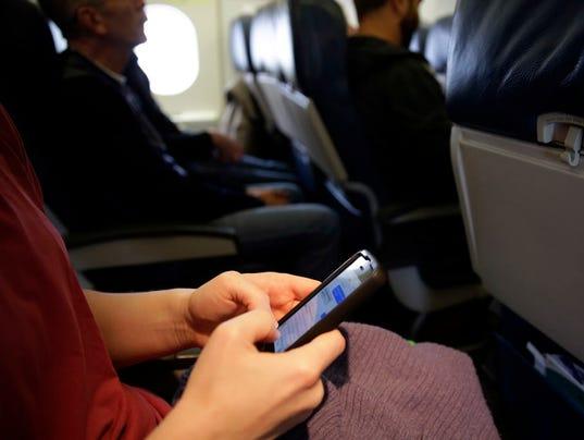 AP CELLPHONES PLANES A FILE USA MA