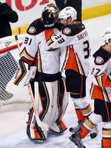 Anaheim Ducks goalie Frederik Andersen (31) is congratulated