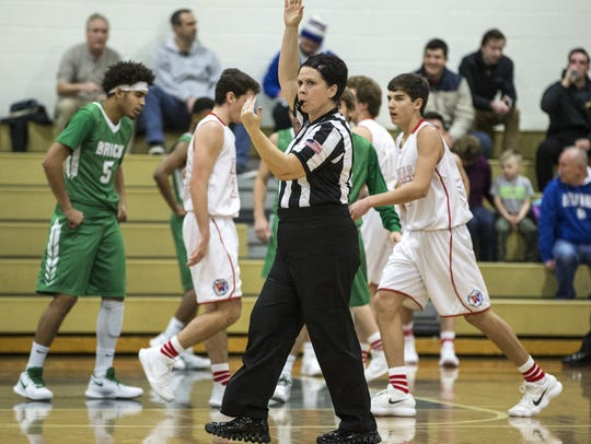 Annmarie Jones officiates Brick vs. Wall varsity boys