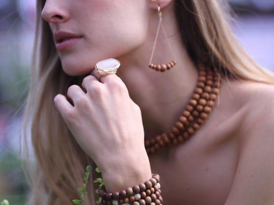 MOD_sandalwoods_Swing_Sandalwood_earrings_RKST_RING__43274.1347041782.1280.1.jpg