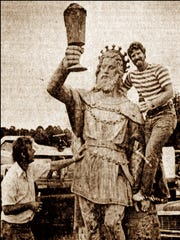 Two men with the King Gambrinus statue in July 1978.