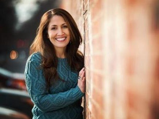 Jodi Aman helps people overcome anxiety in therapy sessions, YouTube videos, on Twitter and more.