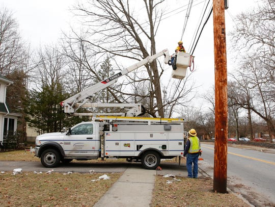 Central Hudson Power crew restores power to Beechwood