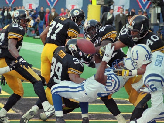 Indianapolis Colts Aaron Bailey(80) can't handle a touchdown pass from quarterback Jim Harbaugh in the last play of the game aganist the Pittsburgh Steeler