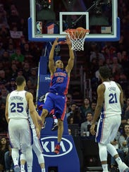 Detroit Pistons guard Avery Bradley (22) goes for a