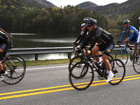 Smokies Cyclists in the mountains (2).jpg