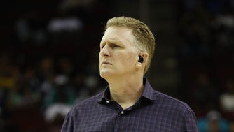 Michael Rapaport was in Houston for a basketball game (pictured) before he flew back to Los Angeles and became a hero on the flight.