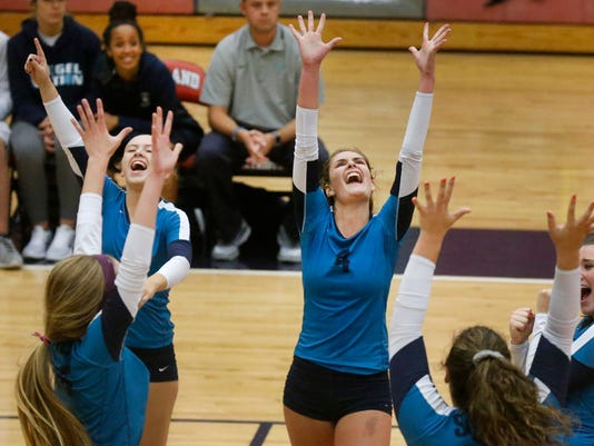 636404161425903891-02-Siegel-vs-Oakland-Vball.jpg