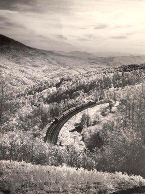 Clinchfield Railroad near Little Switzerland, 1948.Photo by Elliot L. Fisher.