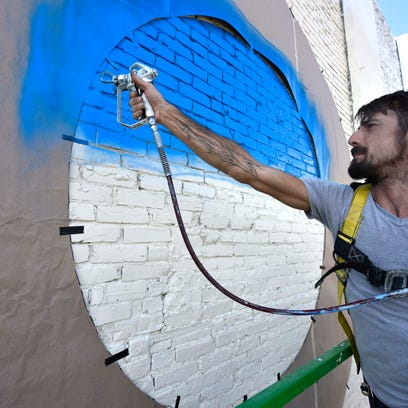Welcome to Jackson, y'all: Large mural a colorful greeting downtown