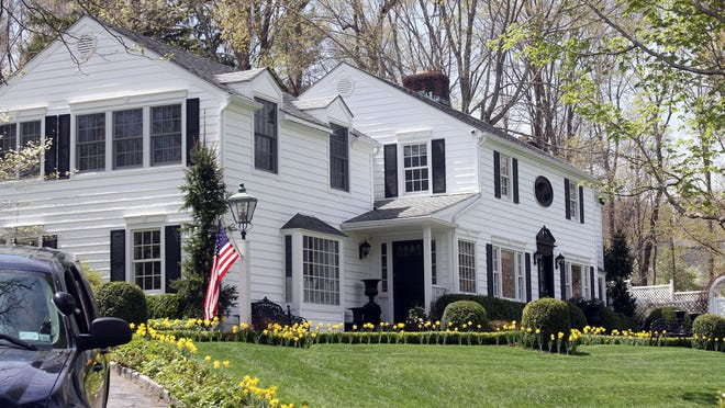 Food Network star Sandra Lee's home on Bittersweet Lane in Westchester County, which is also the home Gov. Andrew Cuomo lists as his place of residence for voting.