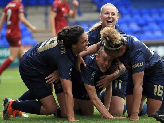 Britain_Soccer_Man_United_Women's_Team_12678.jpg