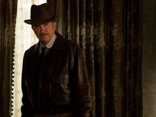 Era-spanning auteur Warren Beatty returns to the screen as Howard Hughes in ëRules Donít Applyí