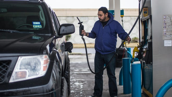 Michigan gas prices are expected to stay high for the next several weeks.