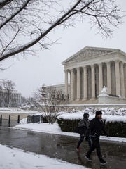Heavy Snow Blankets Washington DC