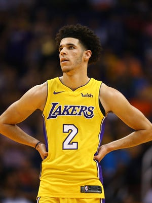 Los Angeles Lakers guard Lonzo Ball (2) against the Phoenix Suns at Talking Stick Resort Arena.