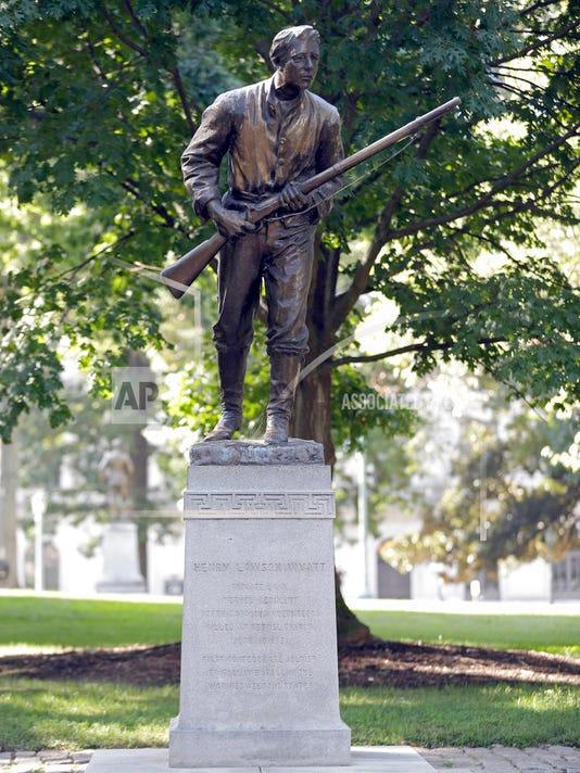 636416170735516498-Confederate-monument.jpg