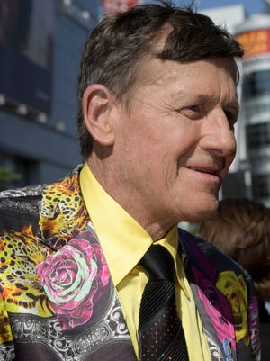 Sports broadcaster Craig Sager died Thursday at age 65.