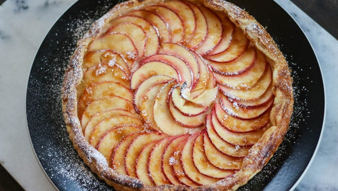 This Apple Cream Cheese Tart is stunning, delicious and simple to make.