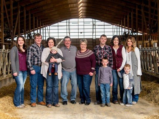 636644948214760687-KEW-0616-Breakfast-on-Farm-Junion-Farm-Knorn-family.jpg